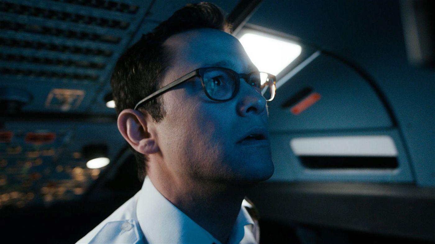 """US-Star Joseph Gordon-Levitt spielt die Hauptrolle im deutsch-österreichischen Thriller """"7500""""."""