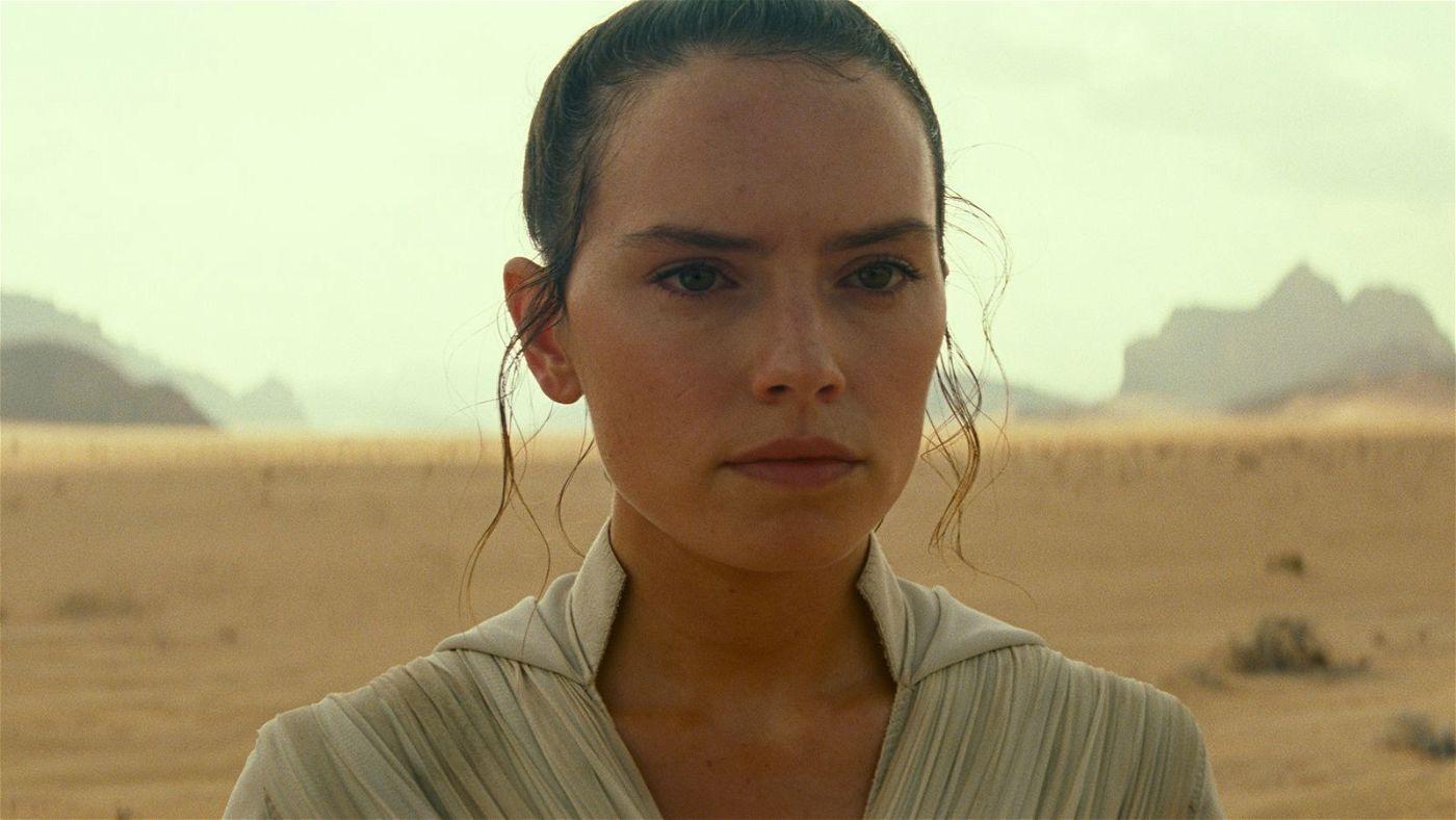 Die junge Jedi-Ritterin Rey (Daisy Ridley) lernt viel über sich und ihre Vergangenheit.