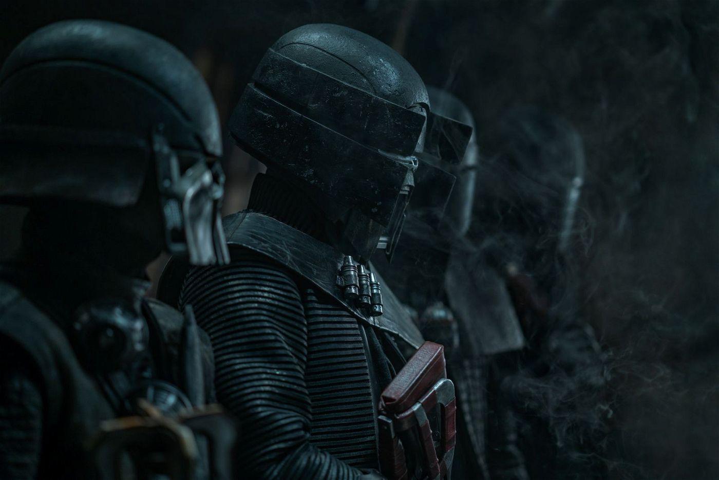Die Knights of Ren stehen bereit, um ihren Herrscher zu beschützen.
