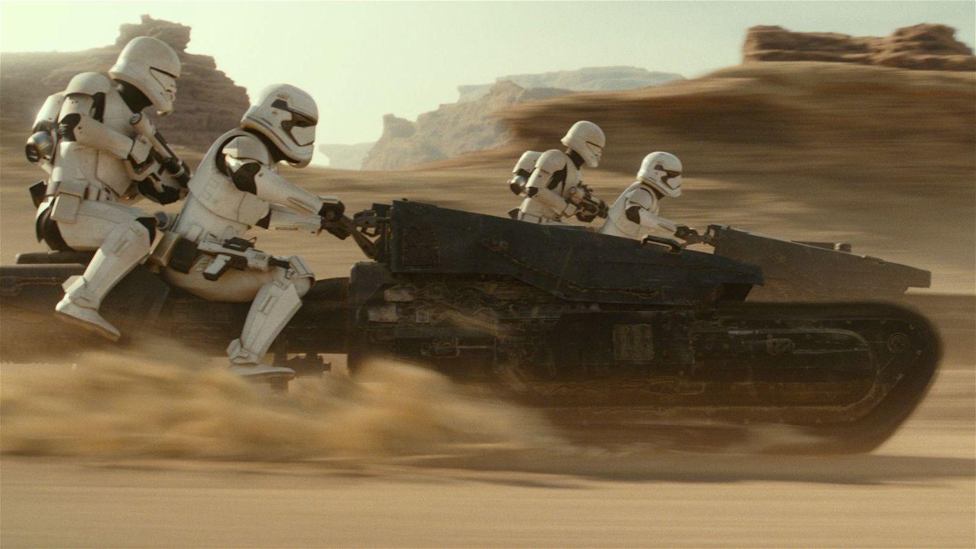 Eine Gruppe Strumtruppler ist den Rebellen auf den Fersen.