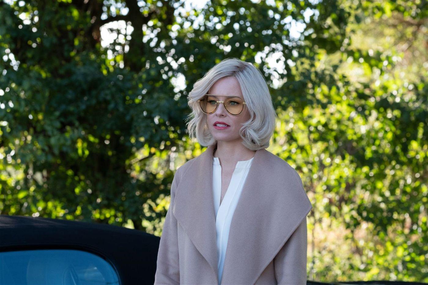 Bosley (Regisseurin Elizabeth Banks) hält ihre Engel zusammen.