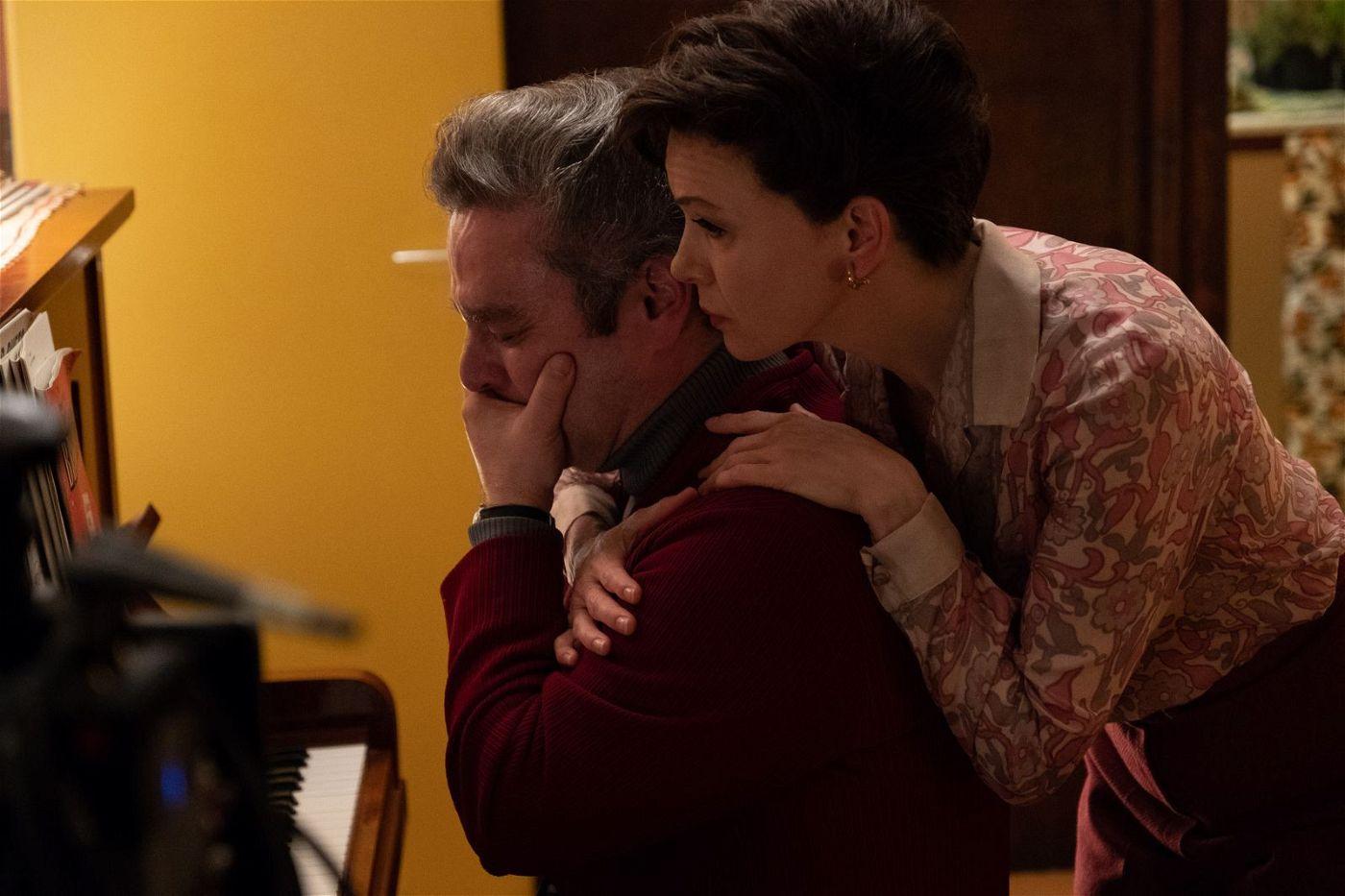 Menschlichkeit und Wärme findet Judy Garland (Renée Zellweger) vor allem bei Fans, wie Dan (Andy Nyman), der sie mit seinem Partner nach Hause einlädt.