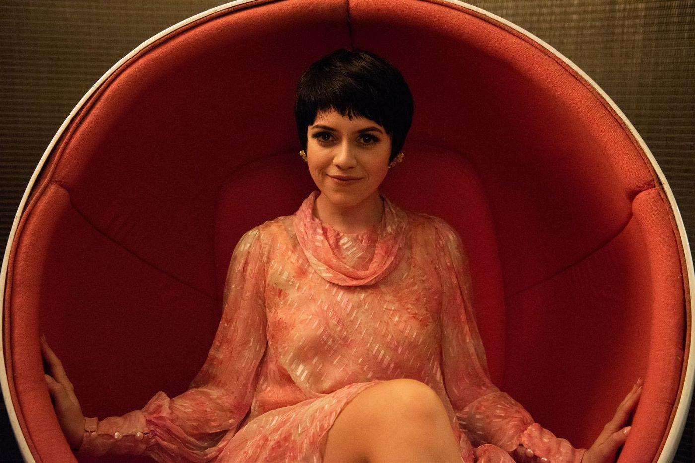 Garlands älteste Tochter Liza Minnelli (Gemma-Leah Devereux) kommt nur der Vollständigkeit halber im Film vor.