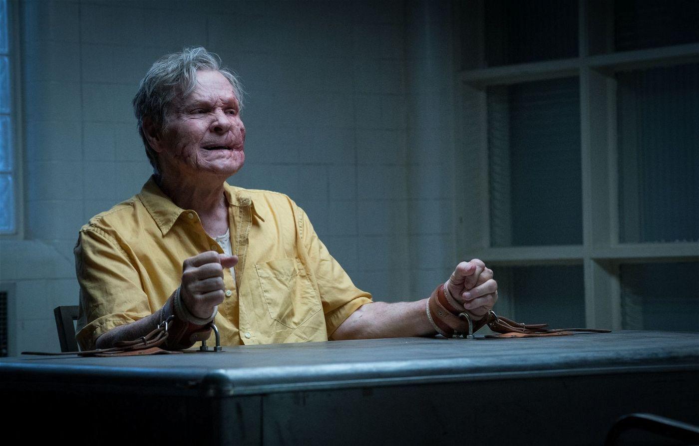 Der Ex-Cop Wilson (William Sadler) ist über einen alten Fall verrückt geworden, liefert Detective Muldoon allerdings wertvolle Hinweise.
