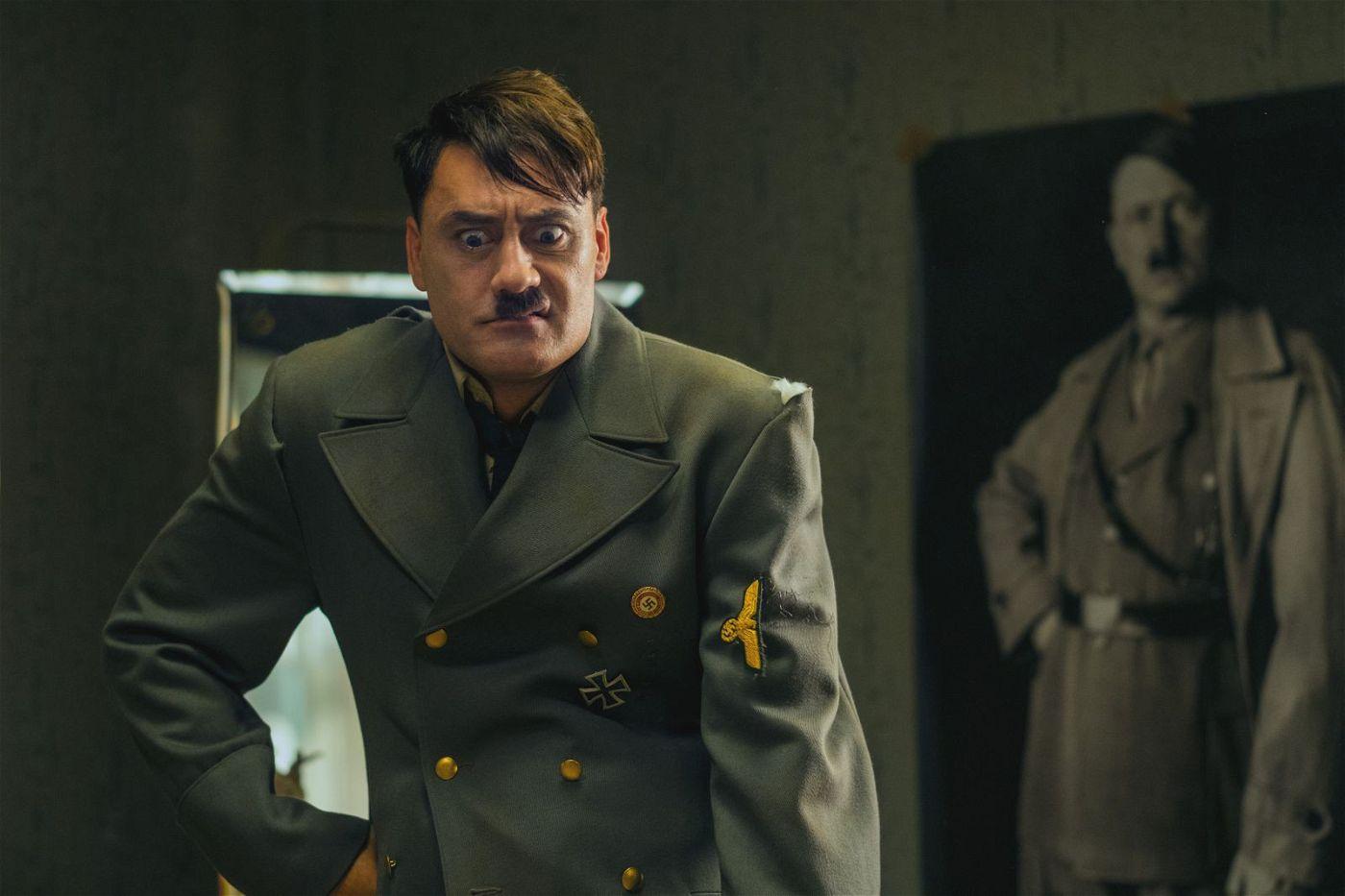 """Der imaginäre Hitler und der echte Diktator: Taika Waititi spielt den """"Führer"""" hervorragend."""