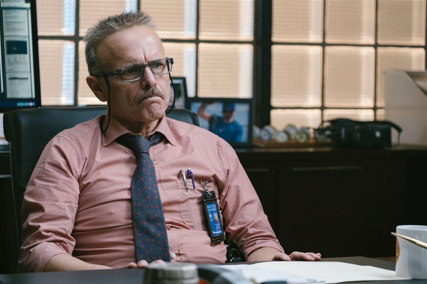 Die Drogenfahnder Mike und Marcus treiben ihren Chef, Captain Howard (Joe Pantoliano), regelmäßig in den Wahnsinn.