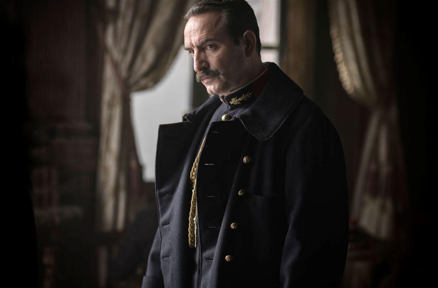Picquart (Jean Dujardin) kommen Zweifel an der Schuld von Dreyfus.