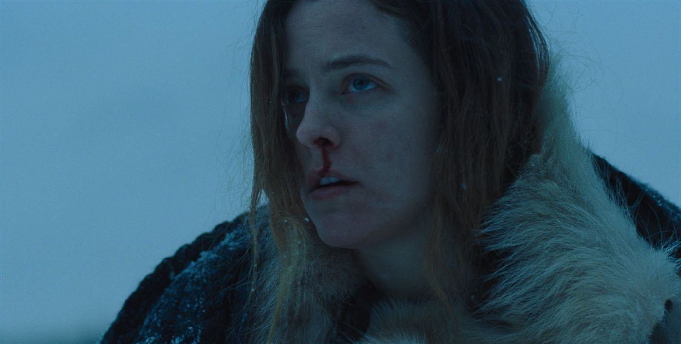 Grace (Riley Keough) wird von ihrer düsteren Vergangenheit eingeholt.