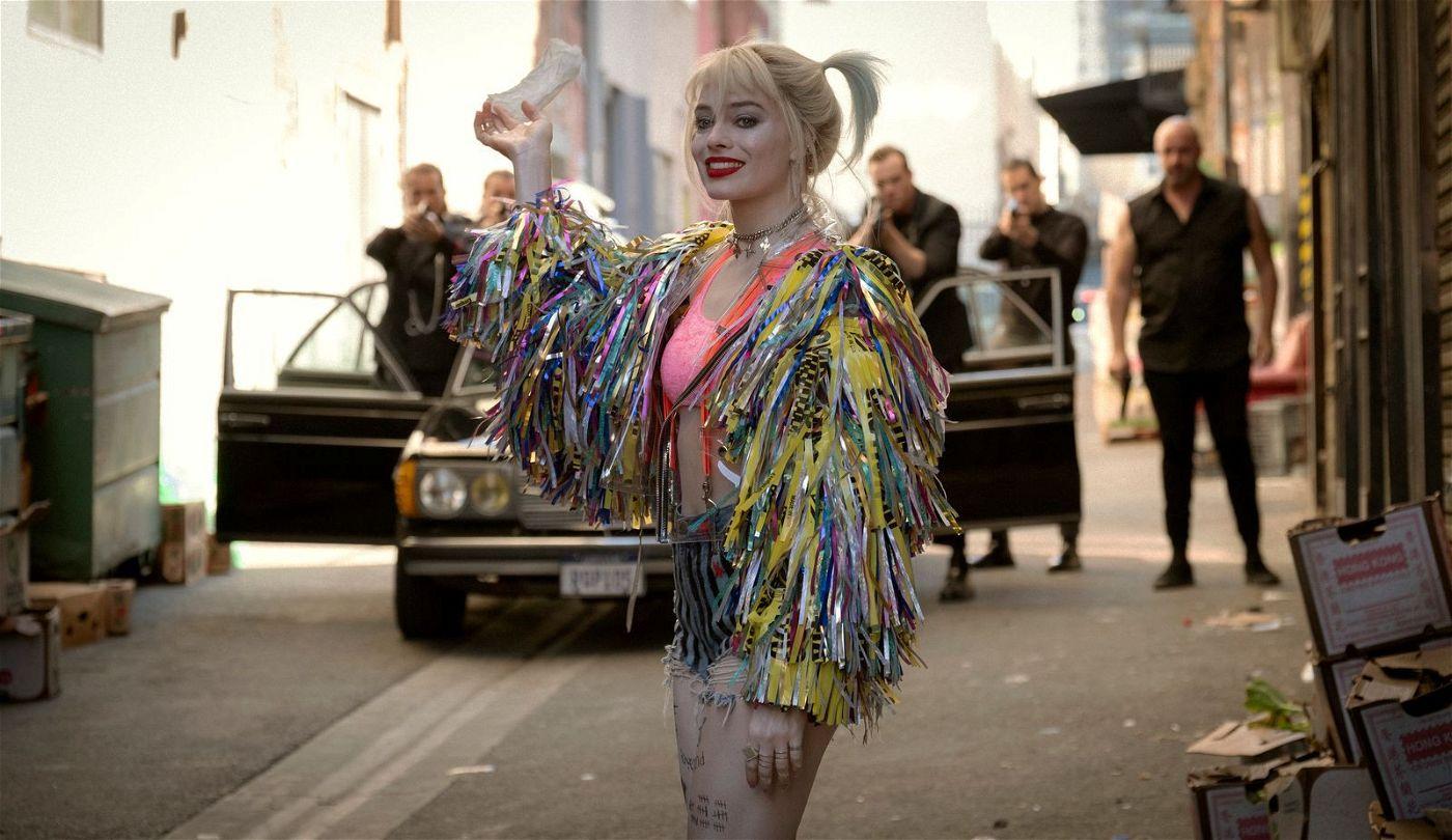 Da sich Harley Quinn (Margot Robbie) viele Feinde gemacht hat, droht hinter jeder Ecke Ungemach.