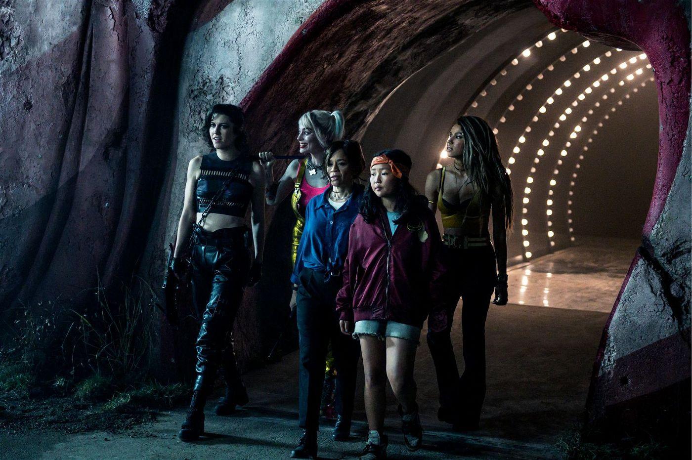 Von links: Huntress (Mary Elizabeth Winstead), Harley Quinn (Margot Robbie), Renee Montoya (Rosie Perez), Cassandra Cain (Ella Jay Basco) und Black Canary (Jurnee Smollett-Bell) zeigen, was in ihnen steckt.