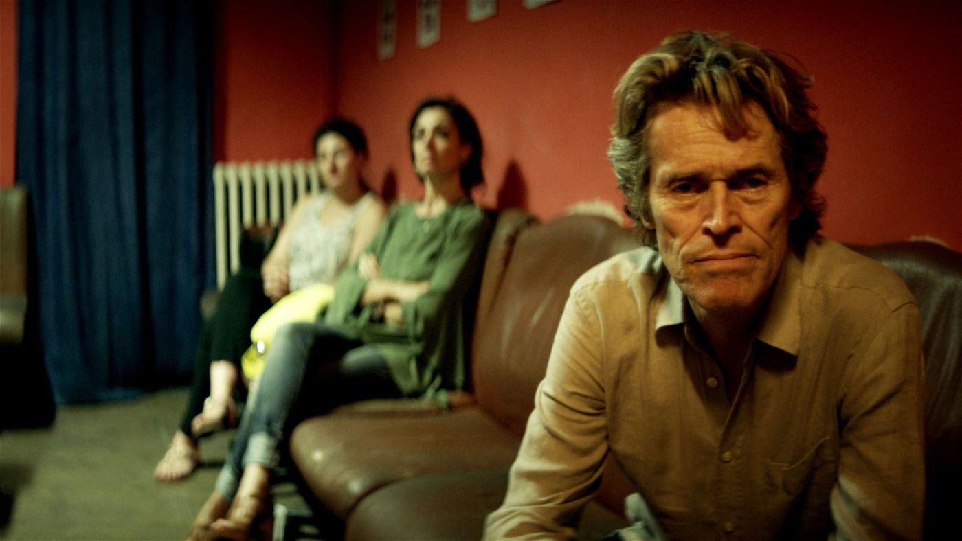 Radikale Offenheit: Tommaso (Willem Dafoe) spricht aus, was ihn immer wieder ins Dunkle zieht, und hofft, es dadurch zu bannen.