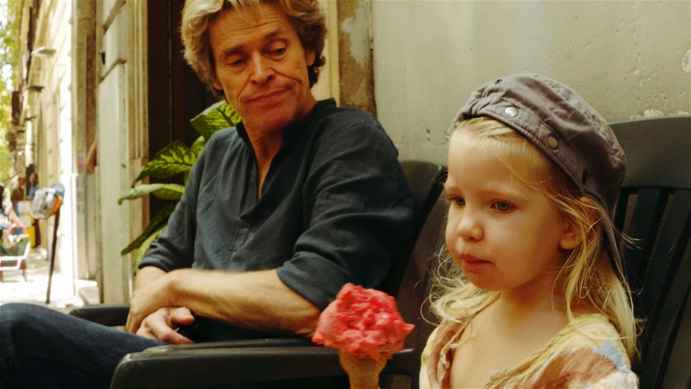Tommaso (Willem Dafoe) versucht, seiner kleinen Tochter (Anna Ferrara) ein guter Vater zu sein, und doch wird er immer wieder von schmerzenden Erinnerungen eingeholt. Wenigstens diesmal will er alles richtig machen.
