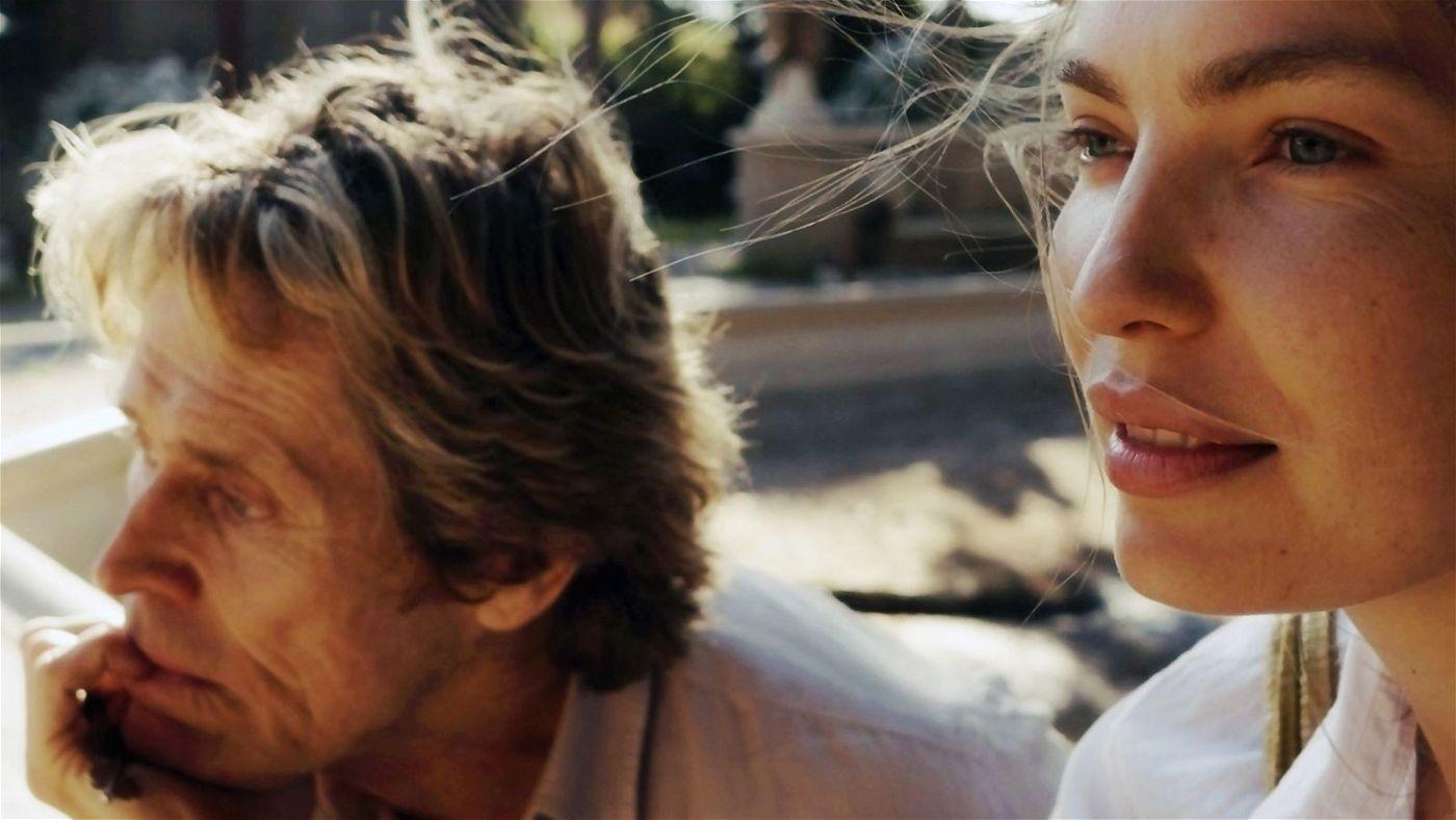 Dem von Dämonen verfolgten Künstler Tommaso (Willem Dafoe) entgleitet seine junge, lebenslustige Frau Nikki (Cristina Chiriac) zunehmend.