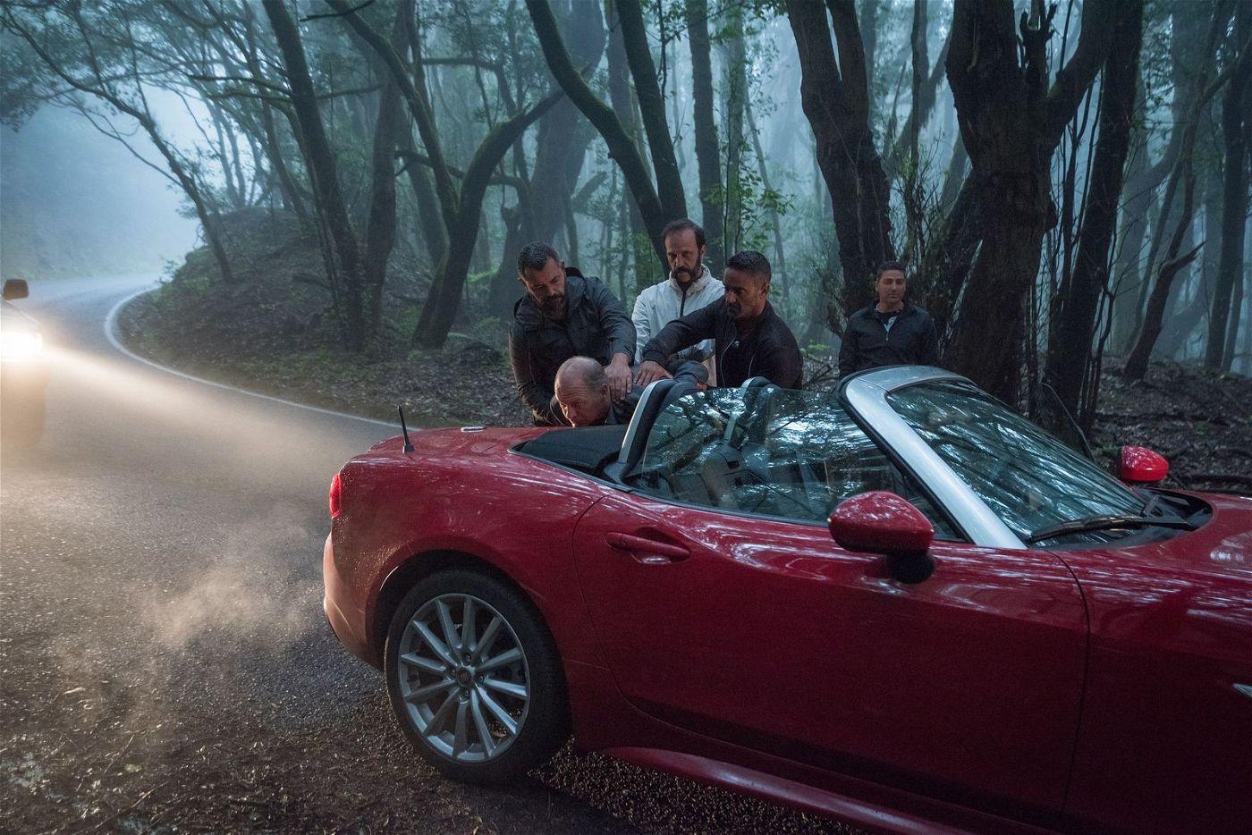 Das Auto des Mafiabosses zu klauen, war keine gute Idee, wie Cristi (Vlad Ivanov) feststellen muss.