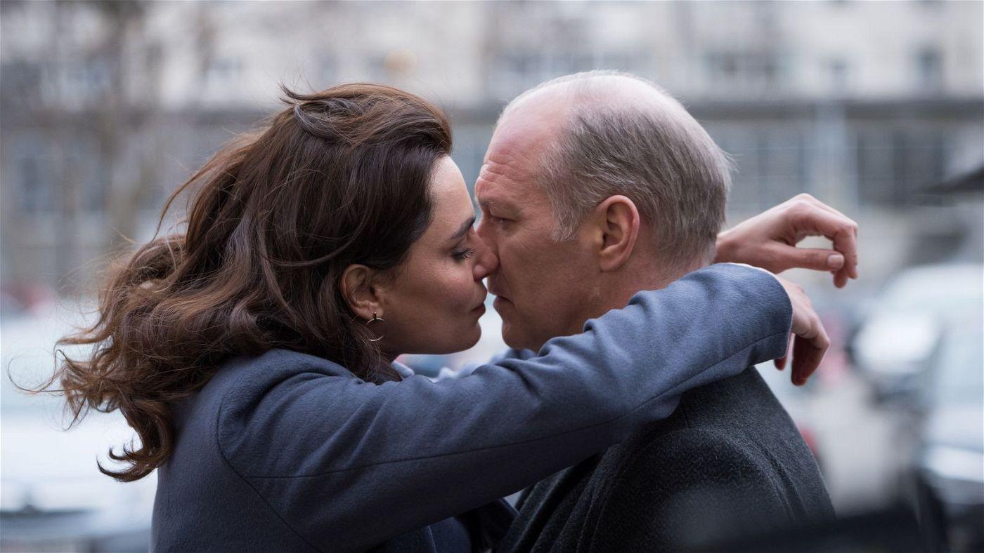 """Man sollte in """"La Gomera"""" niemals glauben, was man offensichtlich sieht - auch nicht die Leidenschaft zwischen Gilda (Catrinel Marlon) und Cristi (Vlad Ivanov)."""