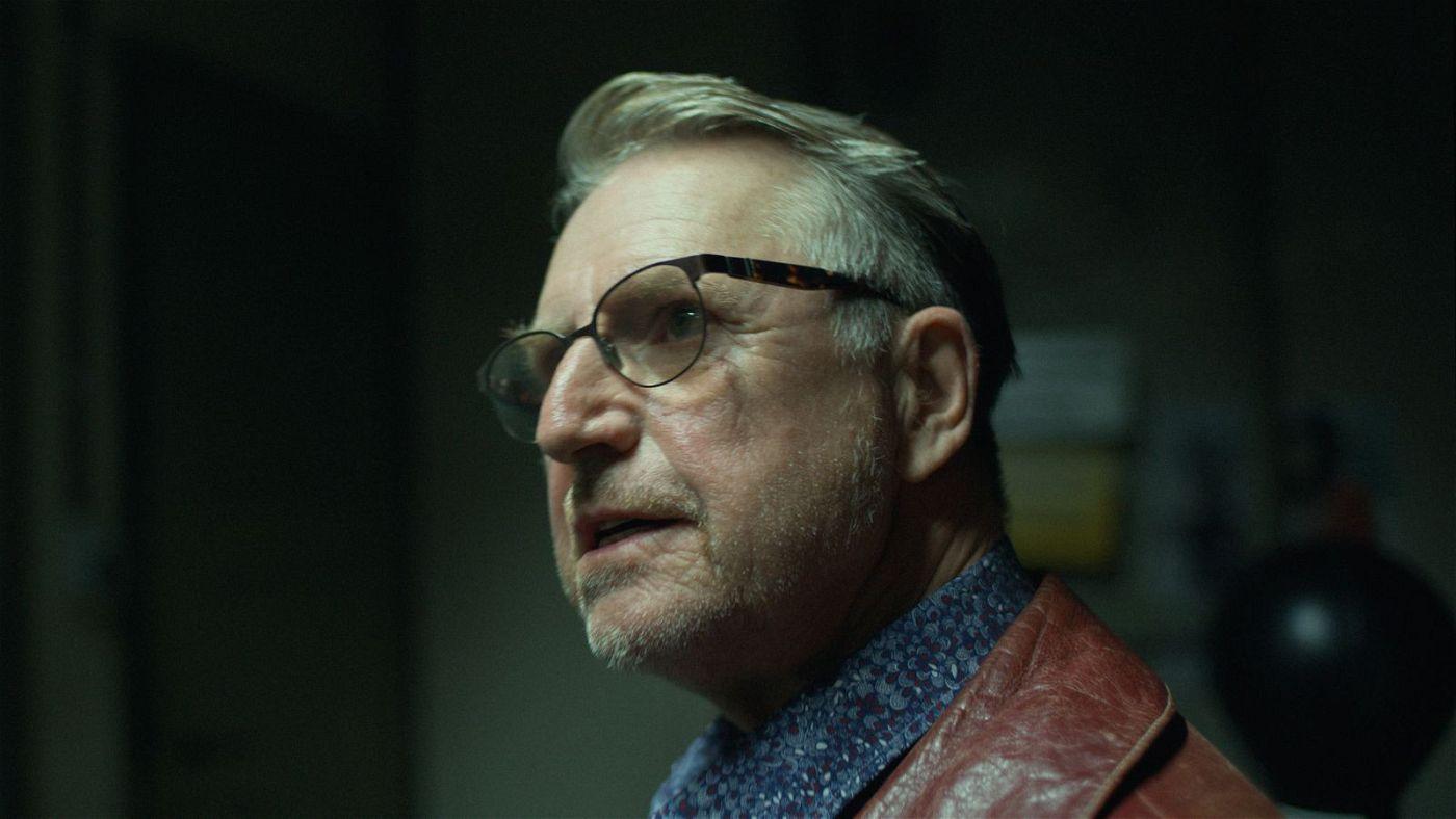 Ozzy (Martin Semmelrogge) soll einem verdeckten Ermittler bei seiner Arbeit helfen.