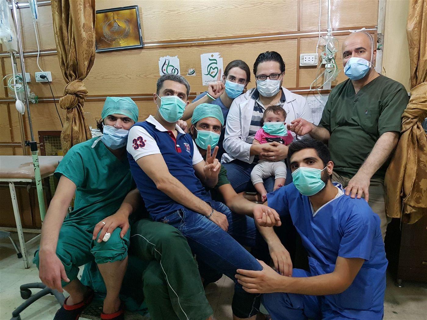 Eine Gruppe junger Ärzte harrt in Aleppo aus.