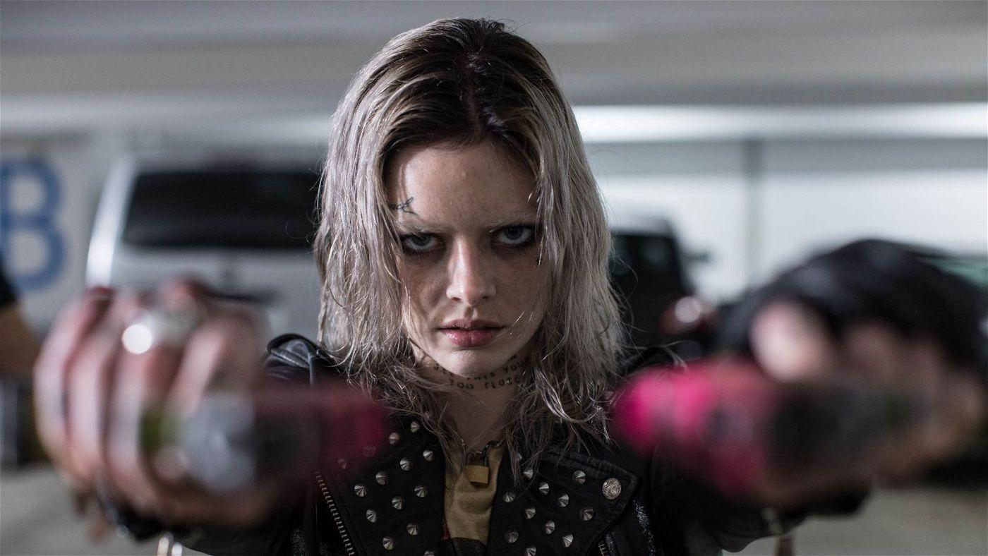 Miles muss es im Rahmen des tödlichen Live-Action-Spiels ausgerechnet mit der durchgeknallten Killermaschine Nix (Samara Weaving) aufnehmen.