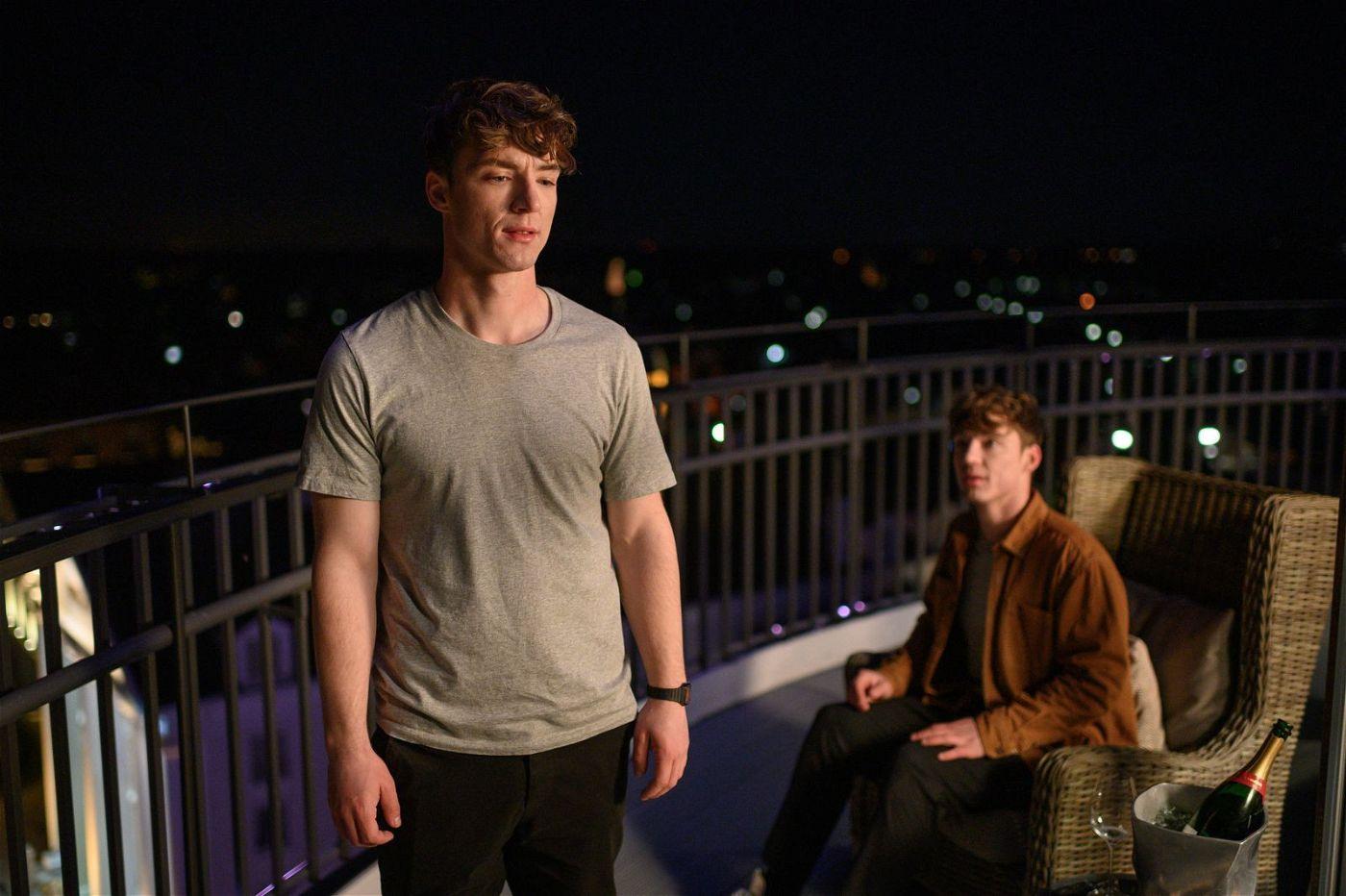 """Die Lochmann-Zwillinge stehen nicht zum ersten Mal vor der Kamera: 2015 spielten sie bereits in dem Kinofilm """"Bruder vor Luder""""."""