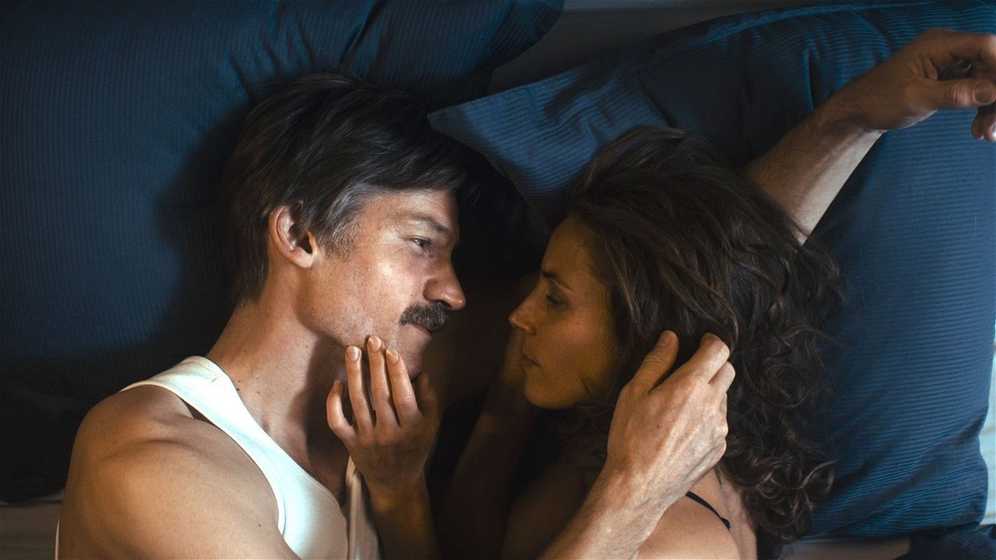 Laerke (Tuva Novotny) ahnt nicht, dass Max (Nikolaj Coster-Waldau) sich das Leben nehmen will.
