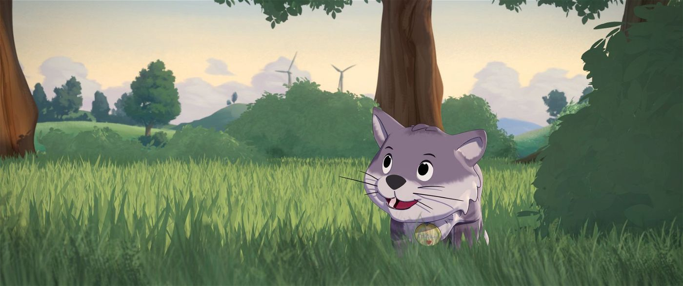 Kater Mau genießt einen Ausflug ins Grüne.