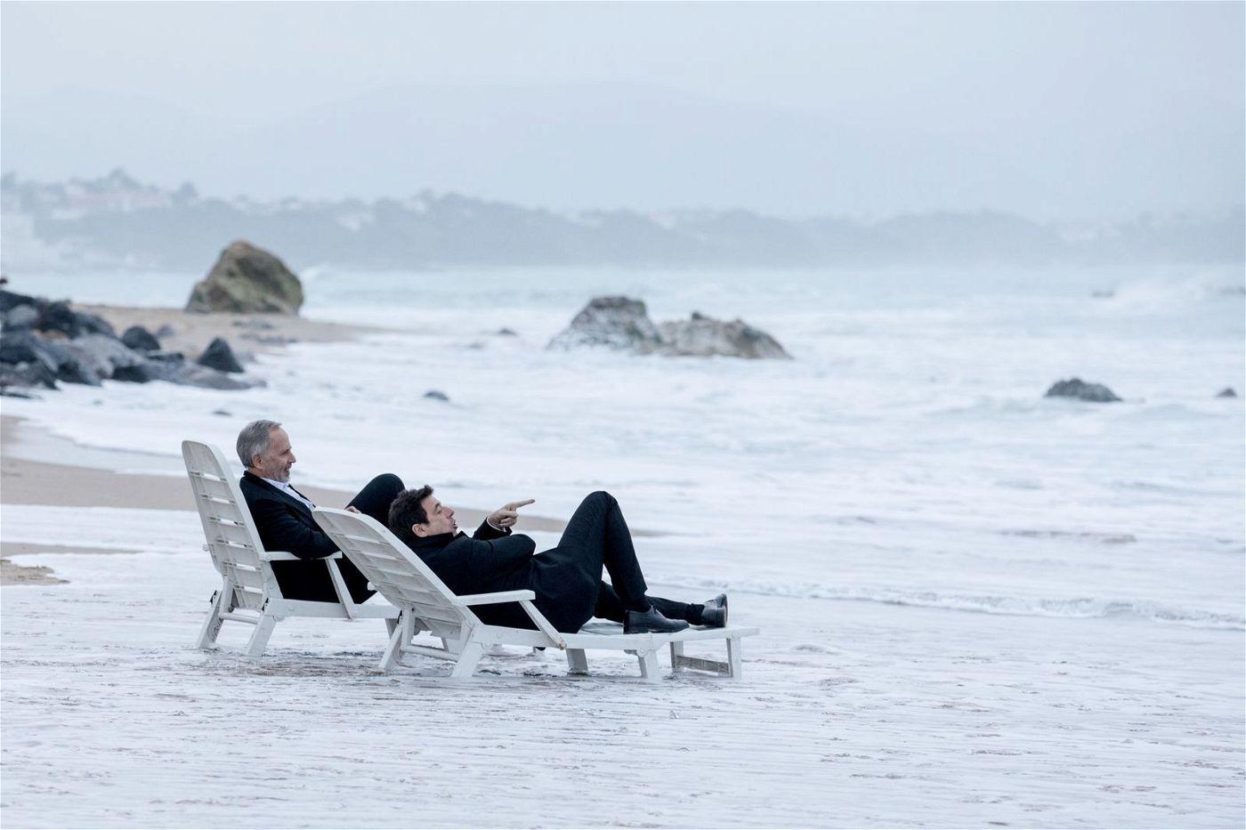 Die beiden Freunde Arthur (Fabrice Luchini, links) und César (Patrick Bruel) genießen ihre vermeintlich letzten gemeinsamen Tage.