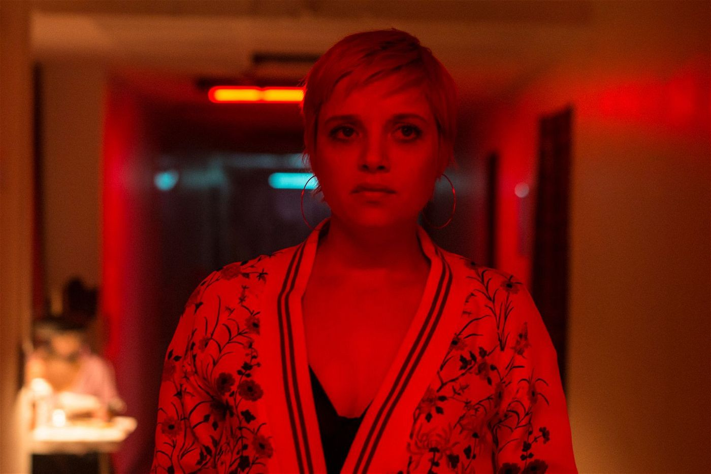 Francis' Geliebte Mieze (Jella Haase) ist eine moderne Sexarbeiterin, die ihrer Profession selbstbestimmt und selbstbewusst nachgeht.