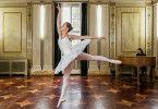 Katyas (Alexandra Pfeifer) Leben ist streng nach ihrem Balletttraining getaktet.
