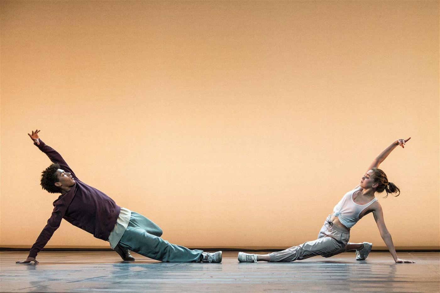 """""""Into the Beat - Dein Herz tanzt"""" überzeugt mit mitreißend choreografierten Tanzsequenzen."""