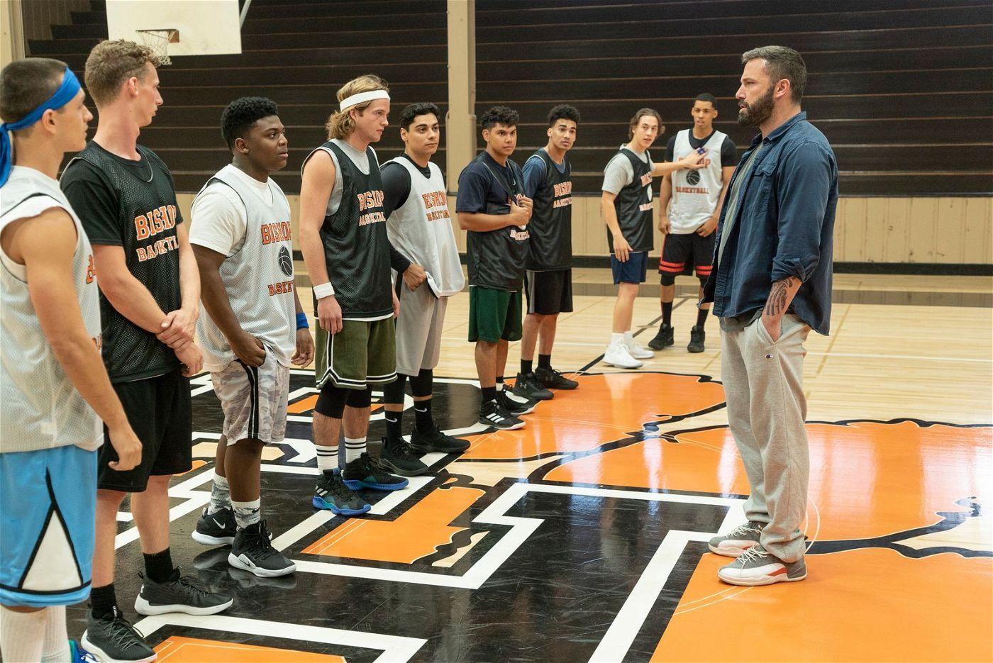 Alkoholiker Jack Cunningham (Ben Affleck, rechts) hat eine neue Aufgabe: Er soll das Basketball-Team seiner alten Highschool trainieren.