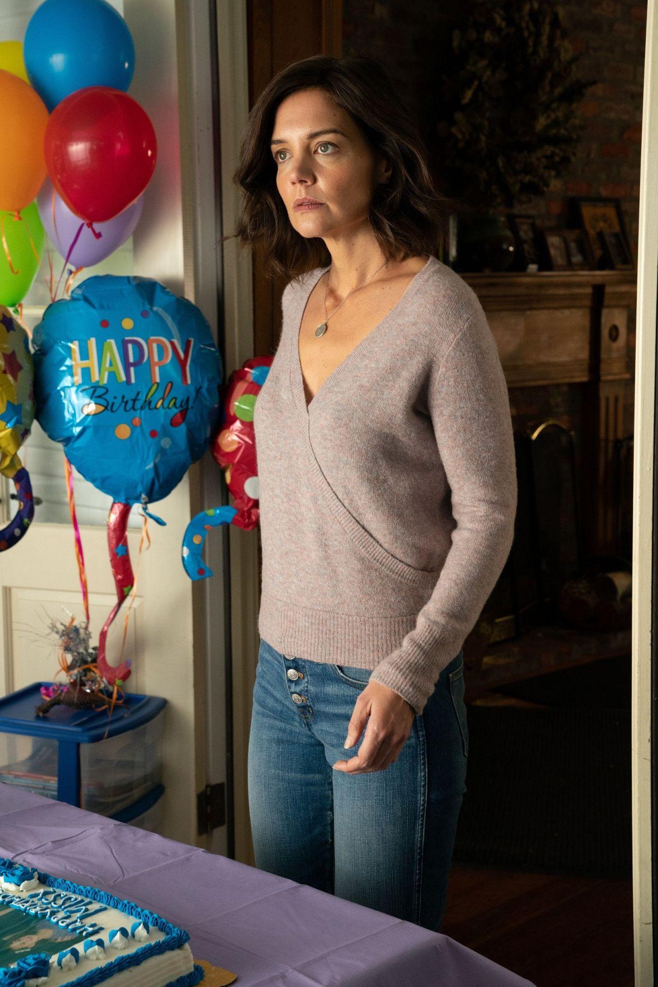 Wenn sie nicht immer so grimmig dreinschauen würde, könnte das Leben von Miranda (Katie Holmes) um vieles einfacher sein.