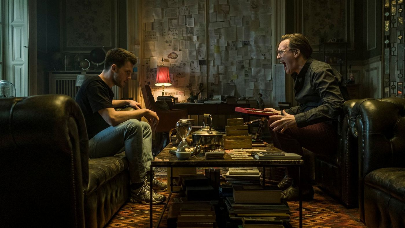 Was ist real und was nur die Projektionsfläche des Unterbewusstseins? Der Apotheker (Nicholas Ofczarek, rechts) setzt bei Niko (Jannis Niewöhner) auf Schocktherapie.