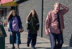 Für Old Dolio (Evan Rachel Wood, Mitte) und ihre Eltern (Debra Winger und Richard Jenkins) ist die Welt ein Selbstbedienungsladen.
