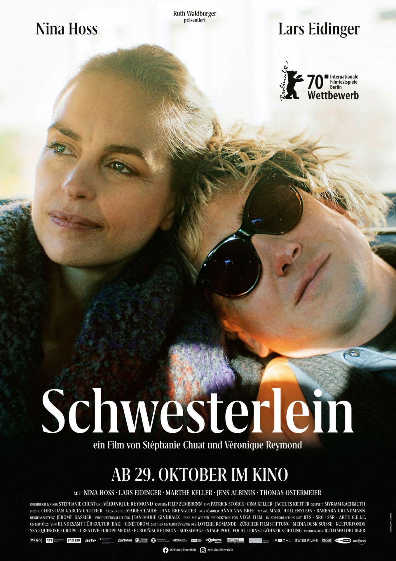 """Nina Hoss kümmert sich als """"Schwesterlein"""" um ihren todkranken Filmbruder Lars Eidinger - kann aber weder den Krebs noch die Klischees besiegen."""